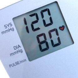 Efectos de la Acupuntura en el Riesgo Cardiovascular en Pacientes con Hipertensión Arterial